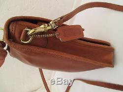 AUTHENTIQUE sac à main type sacoche en cuir COACH TBEG vintage bag