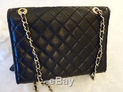 Authentique Sac Chanel Vintage Noir Et Interieur Bordeau