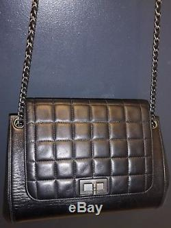 Authentique Sac Chanel vintage noir modèle accordeon