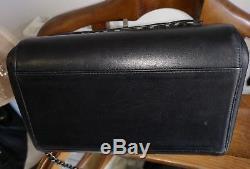 Authentique Sac Chanel vintage noir modèle accordeon