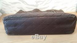 CHANEL Sac cabas en cuir et toile enduite vintage années 80