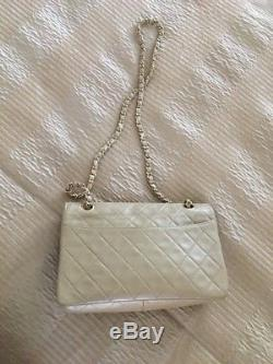 Classic Sac Chanel Vintage Cuir D Agneau Plongé Beige