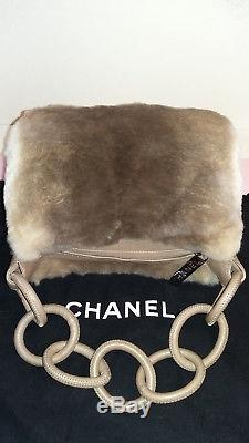 Elegant Sac CHANEL HOBO VINTAGE NEUF, avec étiquette