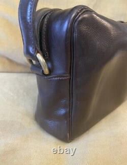 HERMES. Sac ou Pochette vintage en cuir. Signée Hermès Paris