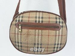 Magnifique sac porté épaule BURBERRYS LONDON cuir vintage