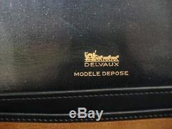 SAC DELVAUX Vintage parfait état porté main /épaule court ou long. Cuir navy