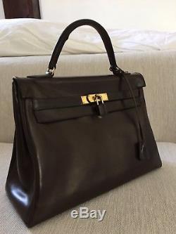 a0de800142 Sac A Main De Marque Hermès En Cuir Box Marron 32cm Modèle Kelly Bag Vintage