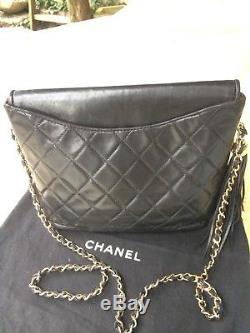 Sac Chanel Vintage Noir Et Intérieur Bordeaux