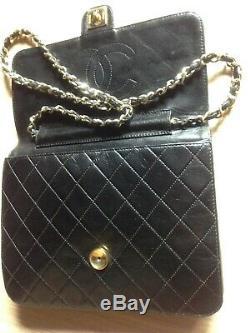 Sac Chanel femme en cuir matelasse noir vintage