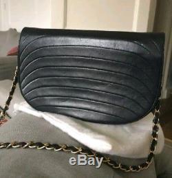 Sac Chanel vintage cuir noir half moon