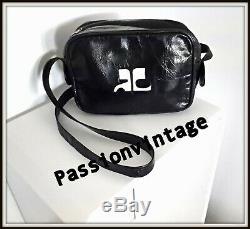 Sac Courreges modéle des années 70 cuir brillant noir vintage bag borsa
