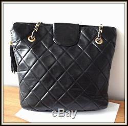 Sac Epaule Chanel made France cuir matelassé noir vintage bag