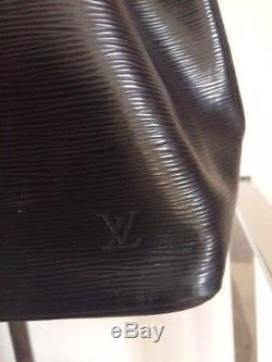 Sac Louis VUITTON vintage, petit Noé première édition 1990 cuir épi noir