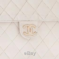 Sac Pochette Chanel Timeless vintage en cuir matelassé blanc
