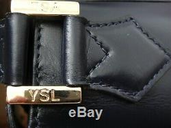 Sac Yves Saint Laurent Vintage parfait état épaule court ou long. Cuir box navy