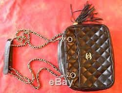 fc055c5058 Sac Chanel Cuir Noir Matelassé Interieur Bordeau Vintage 70-80 Authentique