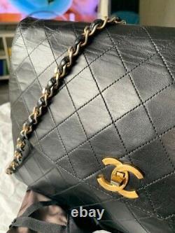 Sac chanel timeless vintage en cuir dagneau noir