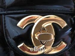 Sac chanel vintage cuir vernis XL excellent état modèle jumbo xl très bon état