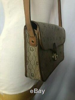Sublime sac porté épaule vintage de la marque Christian Dior
