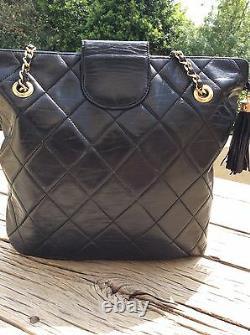 Superbe sac cuir noir Chanel Authentique
