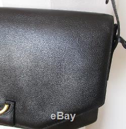 Très Beau sac vintage DELVAUX cuir noir porté épaule TBE